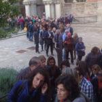 visitors waiting outside Luz Profunda (Inner Light) exhibition: courtesy of Nadia Collette